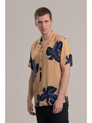 I AM BRIAN πουκάμ...