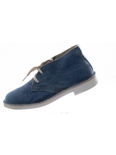 Wally Walker chukka shoe jean